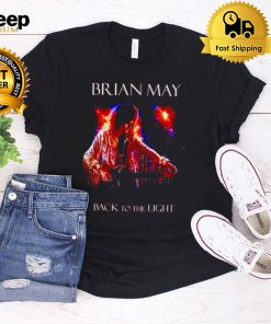 Queen brian may back to the light shirt